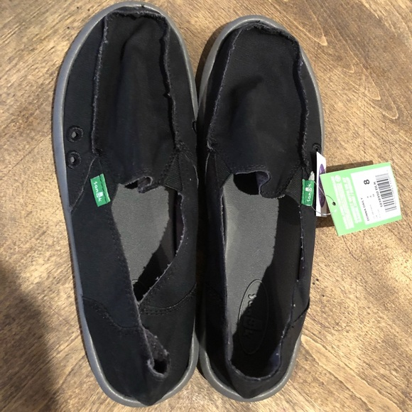 6511e3bdf4b BRAND NEW Sanuk Donna Daily Black Slip on shoes